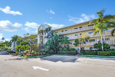 Delray Beach Condo For Sale: 6515 Kensington Lane #401