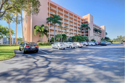 Delray Beach Condo For Sale: 7290 Kinghurst Drive #206