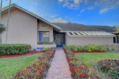 Boca Raton Single Family Home For Sale: 10984 Lake Front Place
