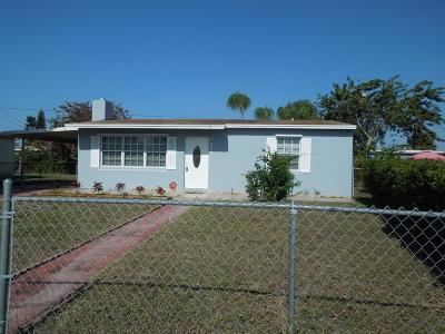West Palm Beach Single Family Home For Sale: 1017 Dogwood Road