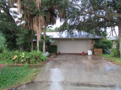 Hobe Sound Single Family Home For Auction: 9306 SE Venus Street