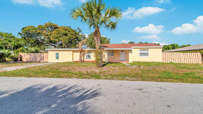 West Palm Beach Single Family Home For Sale: 5817 Coconut Road