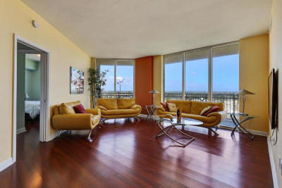 Boynton Beach Condo For Sale: 450 Federal Highway #1215