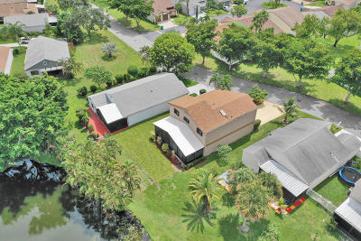Boynton Beach Single Family Home For Sale: 11 E Chesterfield Drive