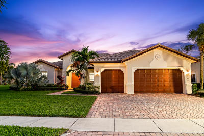 Jupiter Single Family Home For Sale: 108 Casa Circle