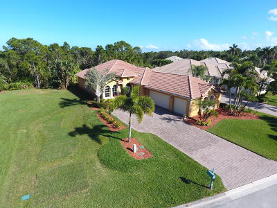 Jensen Beach Single Family Home For Sale: 4559 NW Indian Oak Court