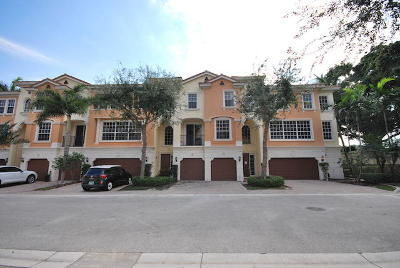 Boca Raton Townhouse For Sale: 604 NE Rossetti Lane