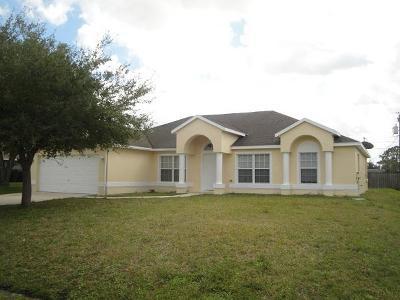 Port Saint Lucie Single Family Home For Sale: 742 SE Thanksgiving Avenue