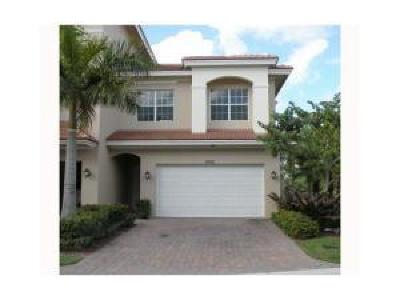 Palm Beach Gardens Townhouse For Sale: 5015 Vine Cliff Way W
