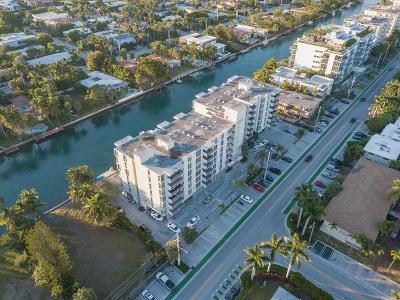 Miami-Dade County Condo For Sale: 9800 W Bay Harbor Drive W #705