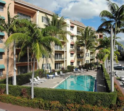 West Palm Beach Condo For Sale: 1650 Presidential Way #502