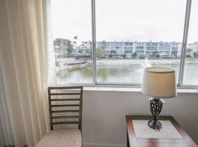 Lake Worth Condo For Sale: 2616 Gardens Drive #205
