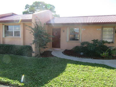 West Palm Beach Single Family Home For Sale: 142 Lake Barbara Drive