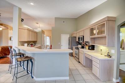 Port Saint Lucie Single Family Home For Sale: 159 SW Hawthorne Circle