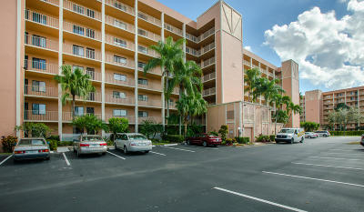Delray Beach Condo For Sale: 7310 Ashford Place #301