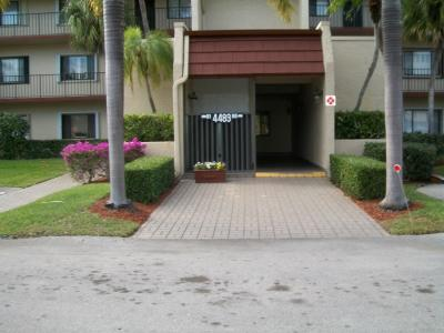 Lake Worth Condo For Sale: 4483 Luxemburg Court #206