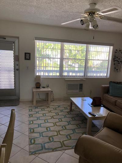 West Palm Beach Condo For Sale: 236 Northampton L