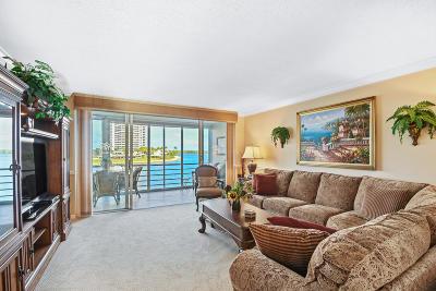 North Palm Beach Condo For Sale: 36 Yacht Club Drive #305