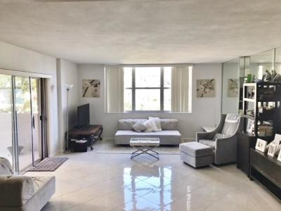 West Palm Beach Condo For Sale: 2600 Flagler Drive #203