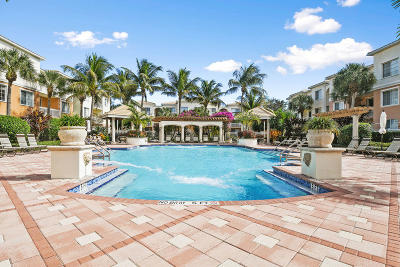 Palm Beach Gardens Condo For Sale: 8310 Myrtlewood Circle W