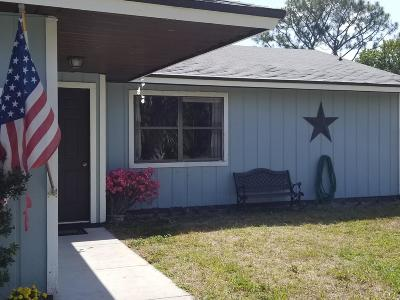 Port Saint Lucie Single Family Home For Sale: 3811 SW Janiga Street