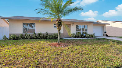 Lake Worth Single Family Home For Sale: 6188 Moonbeam Drive