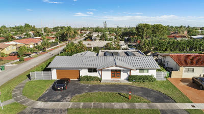 Miami Single Family Home For Sale: 1635 SW 98th Court