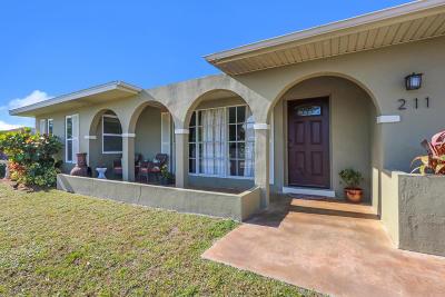 Port Saint Lucie Single Family Home For Sale: 211 NE Lobster Road
