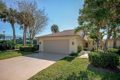 Jupiter Single Family Home For Sale: 302 River Edge Road