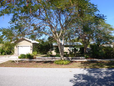 North Palm Beach Single Family Home For Sale: 816 Cinnamon Road