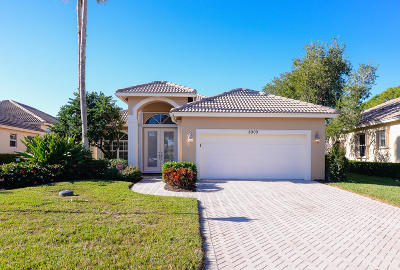 Port Saint Lucie Single Family Home For Sale: 8909 First Tee Road