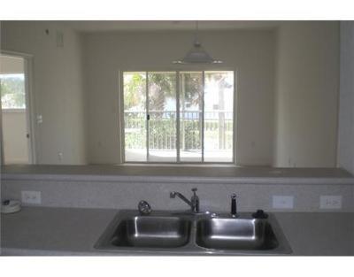 West Palm Beach Condo For Sale: 3496 Cypress Trail #106