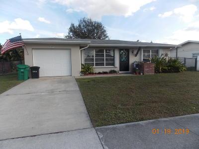 Port Saint Lucie Single Family Home For Sale: 277 NE Airoso Boulevard