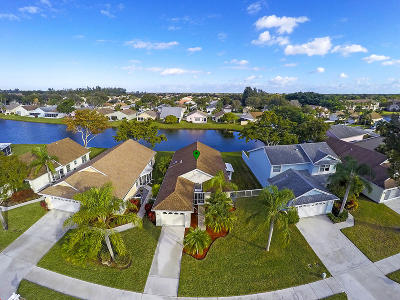 Delray Beach Single Family Home For Sale: 7864 Lake Champlain Court