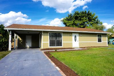 Port Saint Lucie Single Family Home For Sale: 1597 SW Tiskilwa Avenue