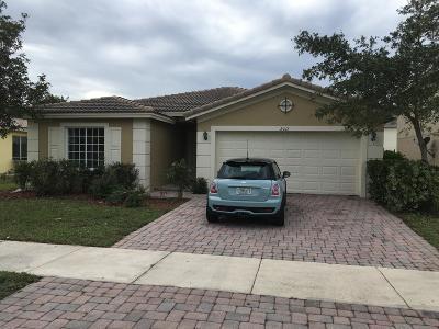 Port Saint Lucie Single Family Home For Sale: 2011 SW Newport Isles Boulevard