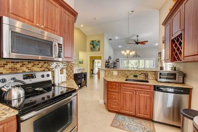 Delray Beach FL Condo For Sale: $257,000