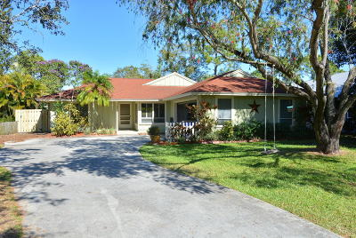 Palm City Single Family Home For Sale: 997 SW Spruce Street