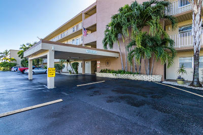 Boynton Beach FL Condo For Sale: $62,000