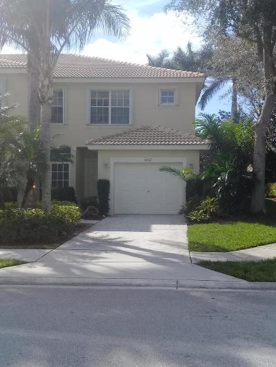 Boynton Beach FL Townhouse For Sale: $239,999