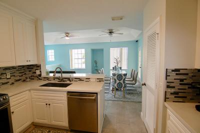 Boynton Beach FL Condo For Sale: $195,000
