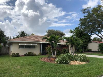 Lantana Single Family Home For Sale: 817 S Lake Drive