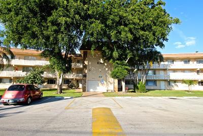 Palm Springs Condo For Sale: 200 Village Green Circle E #K108