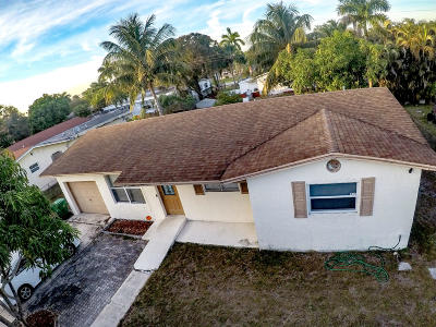 Broward County Single Family Home For Sale: 3461 NW 2nd Street