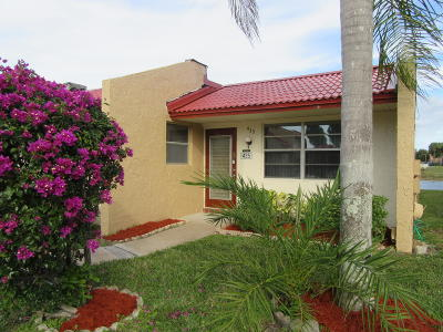 West Palm Beach Single Family Home For Sale: 435 Lake Carol Drive