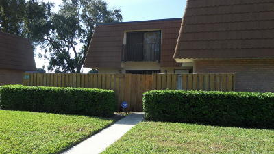 West Palm Beach Townhouse For Sale: 218 Charter Way