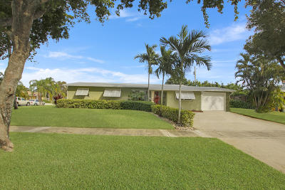 North Palm Beach Single Family Home Contingent: 652 Anchorage Drive