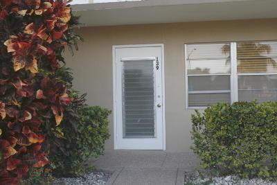 West Palm Beach Condo For Sale: 139 Dover B