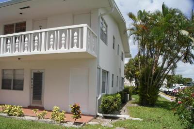 West Palm Beach Condo For Sale: 204 Easthampton I