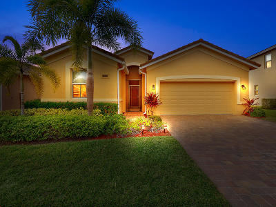 Port Saint Lucie Single Family Home For Sale: 11590 SW Rowena Street